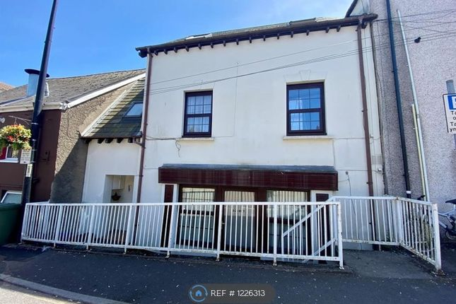 2 bed maisonette to rent in Thomas Street, Chepstow NP16