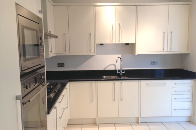 Thumbnail Town house to rent in Hyde Park Square, London