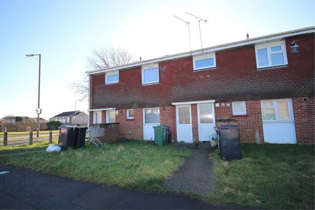 Thumbnail Maisonette to rent in Humber Road, Witham, Essex