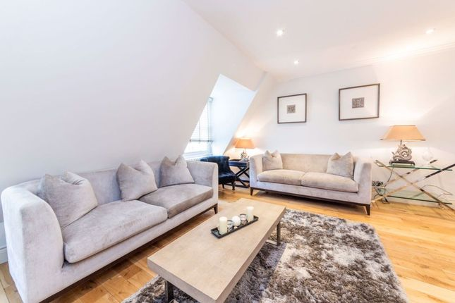 Thumbnail Flat to rent in Grosvenor Hill, London