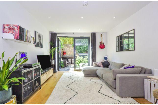 Open Plan Living of Hawthorne Crescent, Greenwich SE10