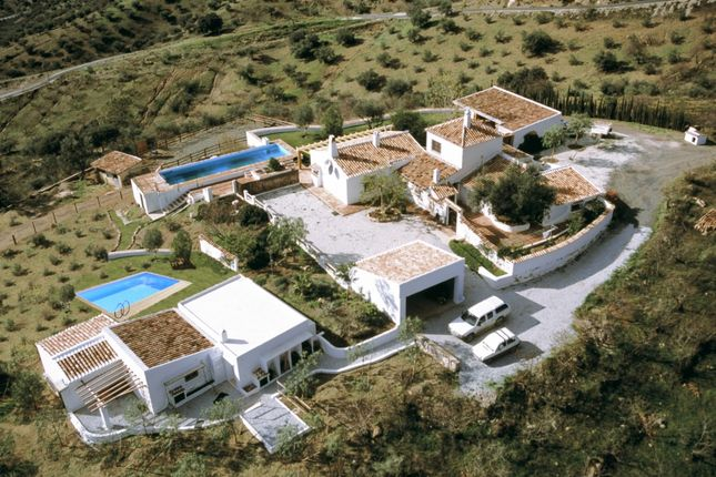 Thumbnail Chalet for sale in Riogordo, Riogordo, Málaga, Andalusia, Spain