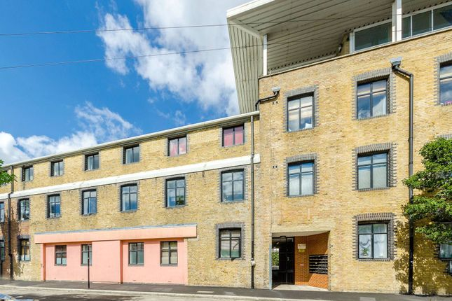 Thumbnail Flat for sale in Jedburgh Road, Plaistow