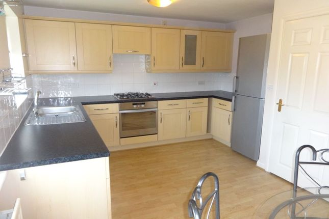 Thumbnail Terraced house to rent in Weavers Chase, Alverthorpe, Wakefield