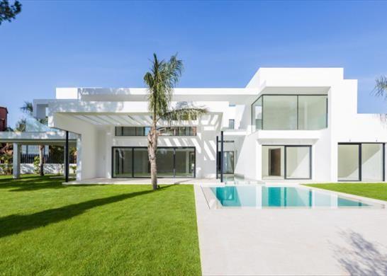 Detached house for sale in Estepona, Málaga, Spain