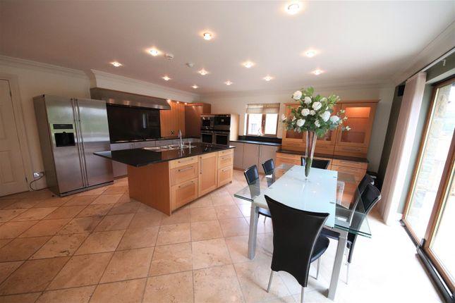 Charnwood-House-21-Norwood-Park-Birkby-HD2-2Du12.J