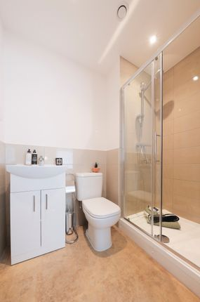1 bedroom flat for sale in Wedgwood Way, Stevenage
