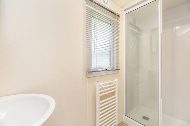 Bathroom of Birdlake Pastures, Northampton, Northamptonshire NN3
