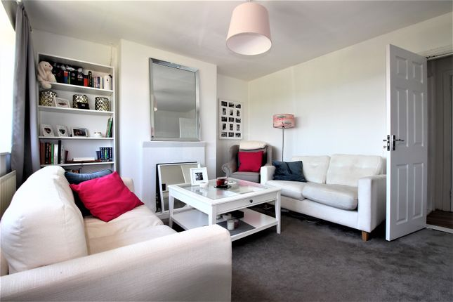 Thumbnail Flat for sale in Hacton Parade, Central Drive, Hornchurch