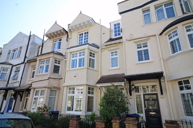 Thumbnail Property to rent in Guilford Avenue, Surbiton
