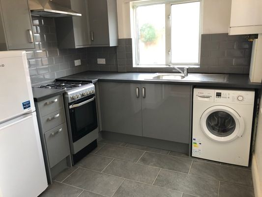Thumbnail Flat to rent in Lopen Road, London