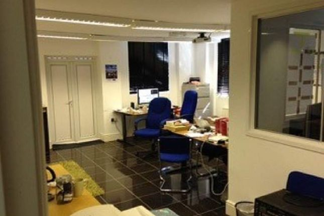 Office to let in Alexandra Road, Ponders End, Enfield