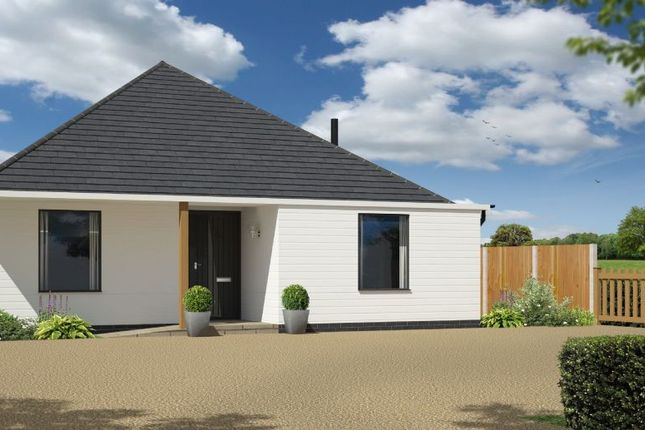 Thumbnail Detached bungalow for sale in Harwich Road, Little Clacton, Clacton-On-Sea