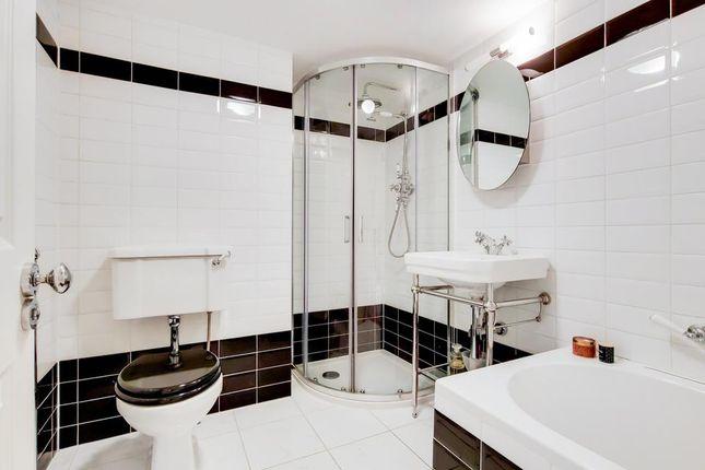 Bathroom of Wincott Parade, Kennington Road, London SE11