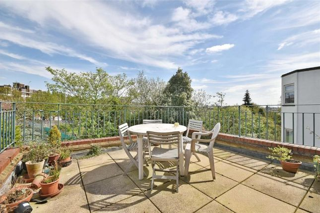Thumbnail Flat for sale in Crediton Hill, West Hampstead
