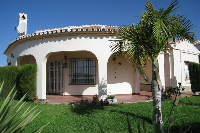 Thumbnail Villa for sale in Torrox, Axarquia, Andalusia, Spain