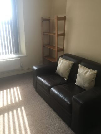 Thumbnail Flat to rent in Oxford Street, Swansea