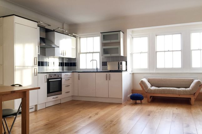 Thumbnail Flat to rent in Kings Road, Brighton