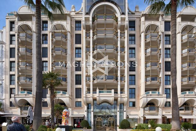 Thumbnail Apartment for sale in Cannes (Croisette), 06400, France