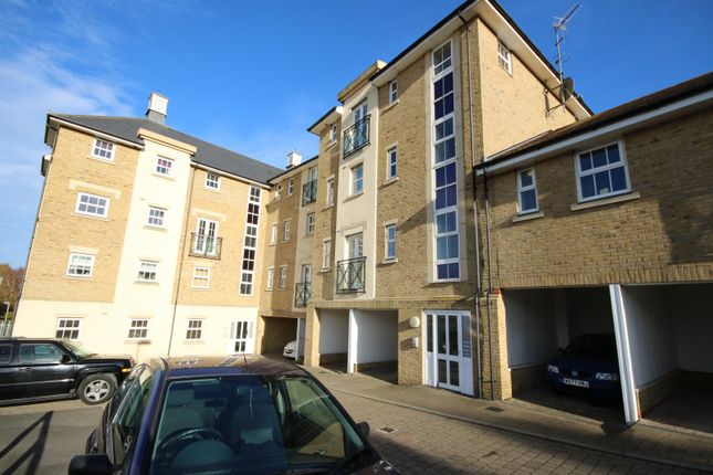 Thumbnail Flat to rent in Chelwater, Great Baddow, Chelmsford