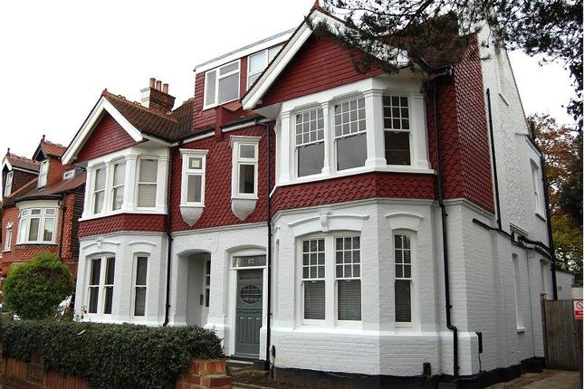Studio to rent in Twyford Avenue, West Acton, London.