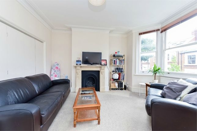 Thumbnail Flat to rent in Cotleigh Road, London