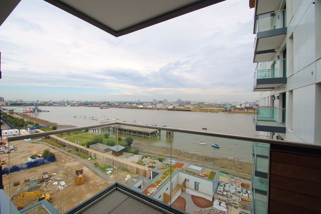 2 bed flat to rent in City Peninsula, 25 Barge Walk, London
