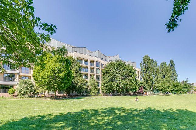 1 bed flat for sale in Espalier Gardens, Kilburn, London NW6