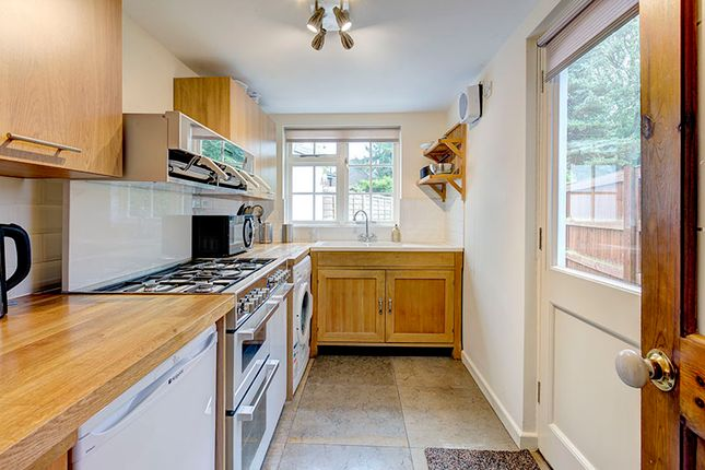 Thumbnail Terraced house for sale in Wades Hill, Winchmore Hill