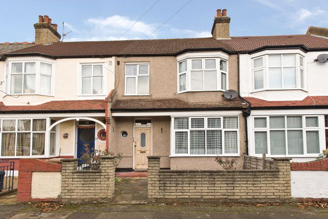 3 bed property for sale in Abbott Avenue, London