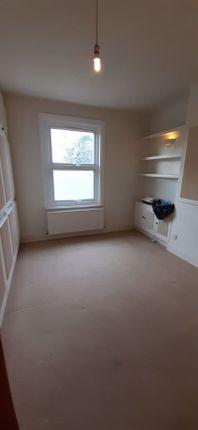 Photo 5 of One Bedroom Flat, Birkhall Road, London SE6