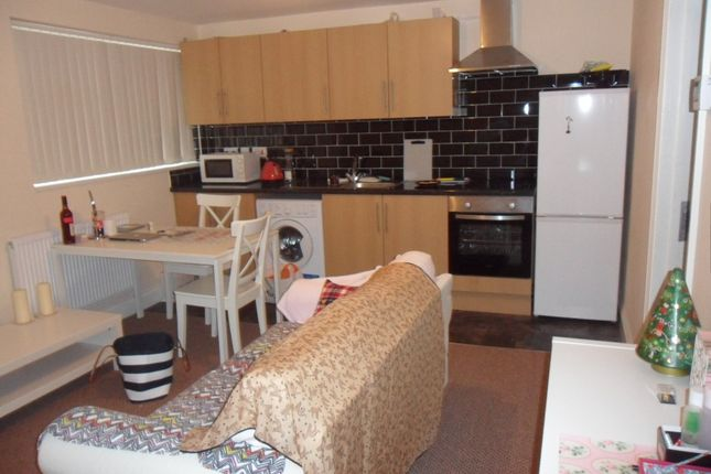 Thumbnail Flat to rent in Walsgrave Road, Coventry