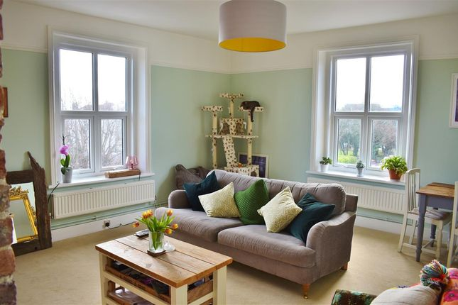 Lounge of Flat 6, 23 St Annes Road, Eastbourne BN21