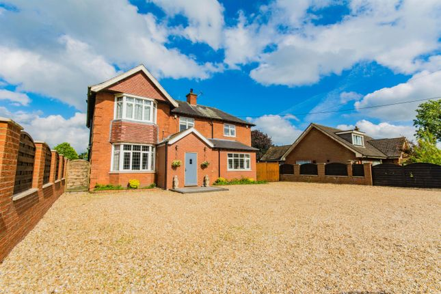 Thumbnail Detached house for sale in Top Road, Winterton, Scunthorpe