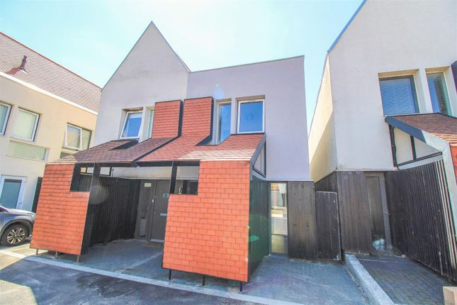 2 bed semi-detached house to rent in Brickcroft Hoppit, Newhall, Harlow CM17
