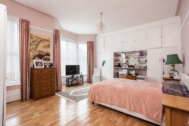 Thumbnail Terraced house for sale in Allerton Road, London