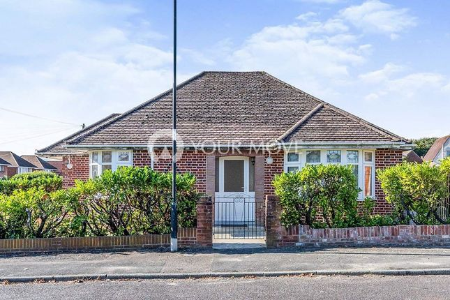 4 bed bungalow to rent in Taunton Drive, Southampton SO18