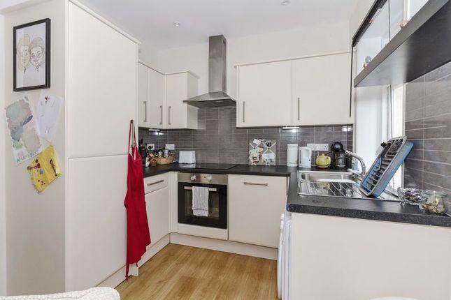Kitchen of Warwick Gardens, Worthing BN11
