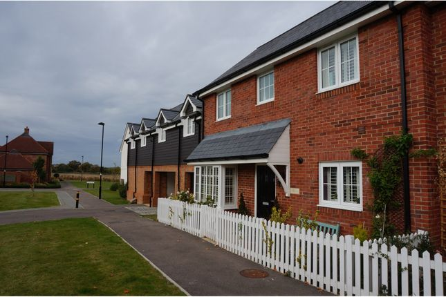 Thumbnail Terraced house for sale in Meadow Drive, Henfield