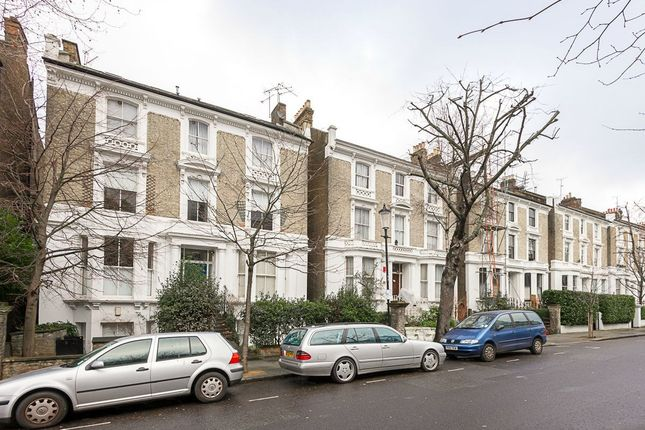 Flat for sale in Oxford Gardens, London