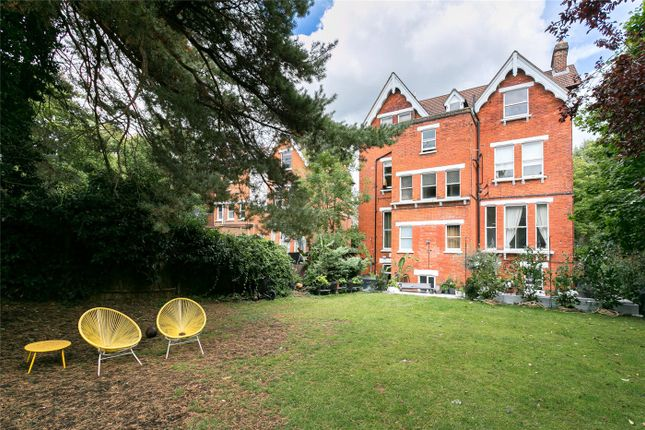Thumbnail Flat for sale in Gipsy Hill, London