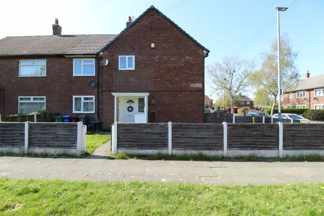 Thumbnail Flat for sale in Burnby Walk, Wythenshawe, Manchester