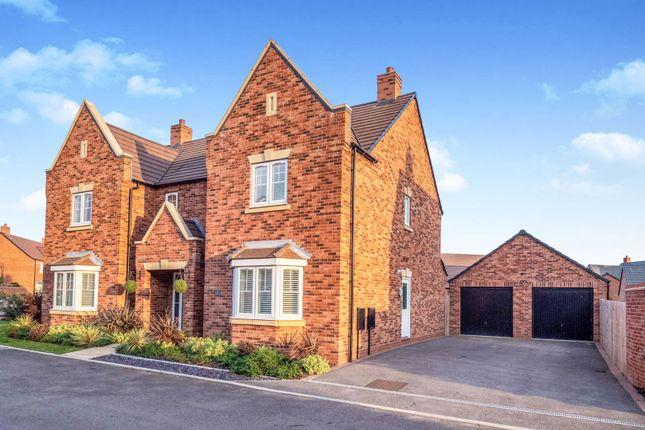 Thumbnail Detached house for sale in Oak Avenue, Warwick