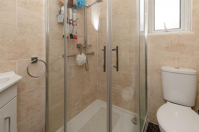 Bathroom of Cardinal Avenue, Borehamwood WD6
