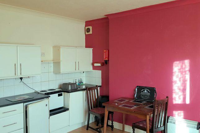 Thumbnail Flat to rent in Skelmesdale Road, Clacton-On-Sea