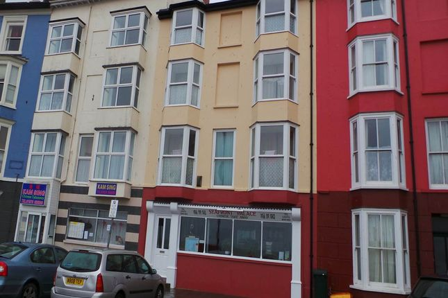 Thumbnail Flat to rent in Top Floor Flat 5C Marine Terrace, Aberystwyth, Ceredigion