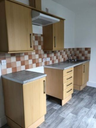 1 bed flat to rent in Commercial Row, Pembroke Dock SA72