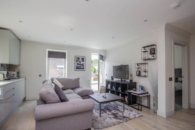 Living Room of Walton Road, East Molesey KT8