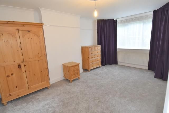 2 bed property to rent in Bryan Avenue, Willesden Green