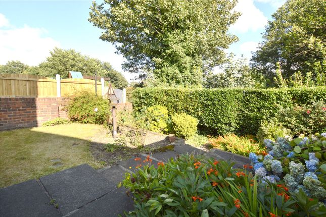 Picture No. 04 of Crawshaw Rise, Pudsey, West Yorkshire LS28